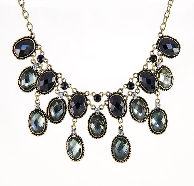 SN274: Elegant Necklace Set