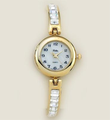 WA42G: Austrian Crystal Watch