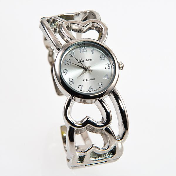 WA56T: Silver Heart Watch