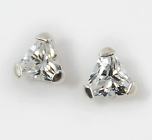 EA466: Triangular CZ Earrrings