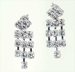 EA528: Elegant Crystal Chandelier Earrings