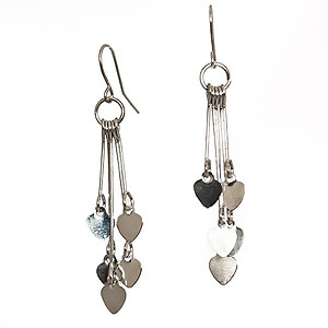 EA662: Delicate Heart Earrings in Gold or rhodium