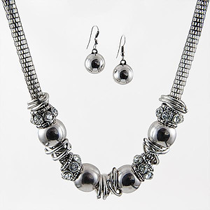SNT248: Stylish Silver Necklace and Earring Set