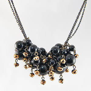 SNT251: Black and Gold Beaded Necklace