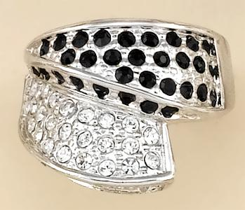 RA82: Jet & Diamond Crystal Ring