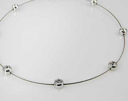 NA176: Magnetic Austrian Crystal Necklace Collar