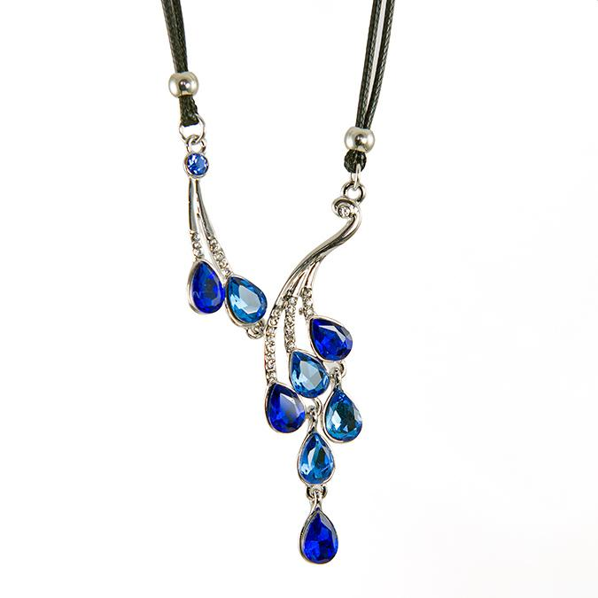 NA270: Elegant Sapphire Necklace