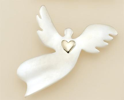 PA463: Angel Heart Pin